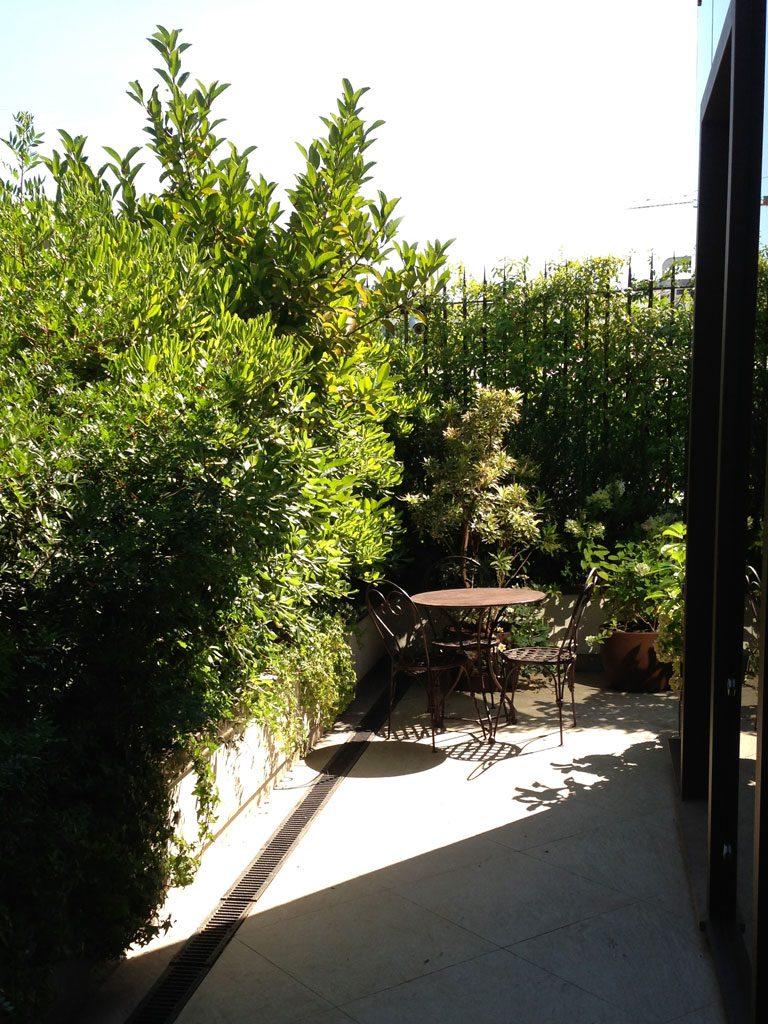 Verde e colori in terrazza a Milano – Hortensia
