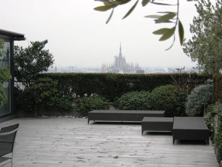 Un Terrazzo Panoramico a Milano – Hortensia